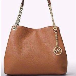 Bags - Michael Kors LG Shoulder Tote